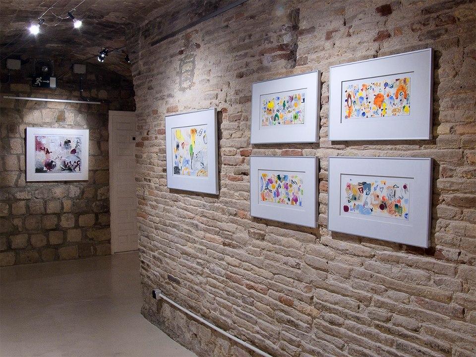 """Vista de la exposición """"Paseos por el tiempo"""" pinturas de Jorge de los Ríos en Demodo Gráfico"""
