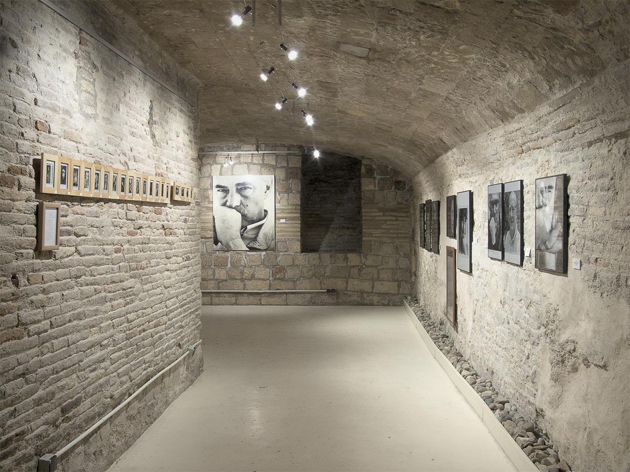 Vista de la exposición de Pedro Avellaned en Demodo Gráfico